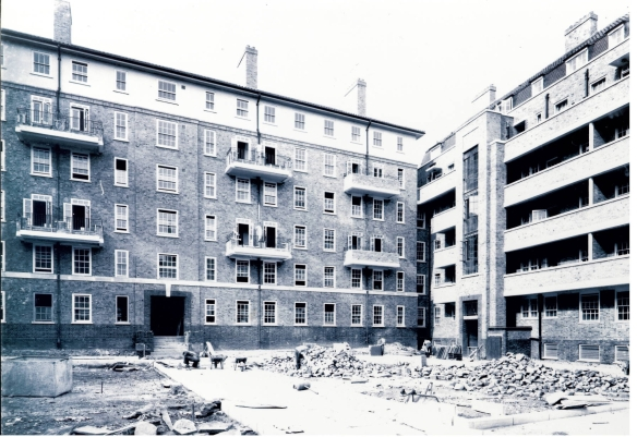 Construction of Camberley House c1931